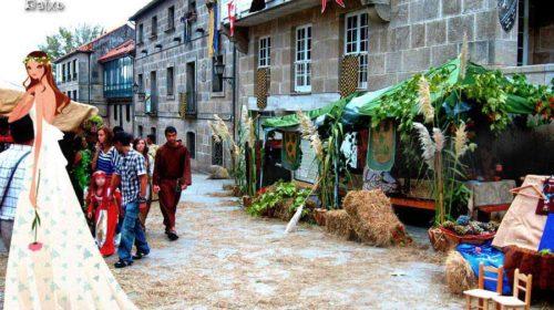 En una calle, el día de la Feria Franca en Pontevedra