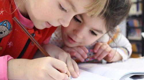 Sanxenxo abre el plazo para inscripción en las escuelas municipales de O Tombo y O Revel